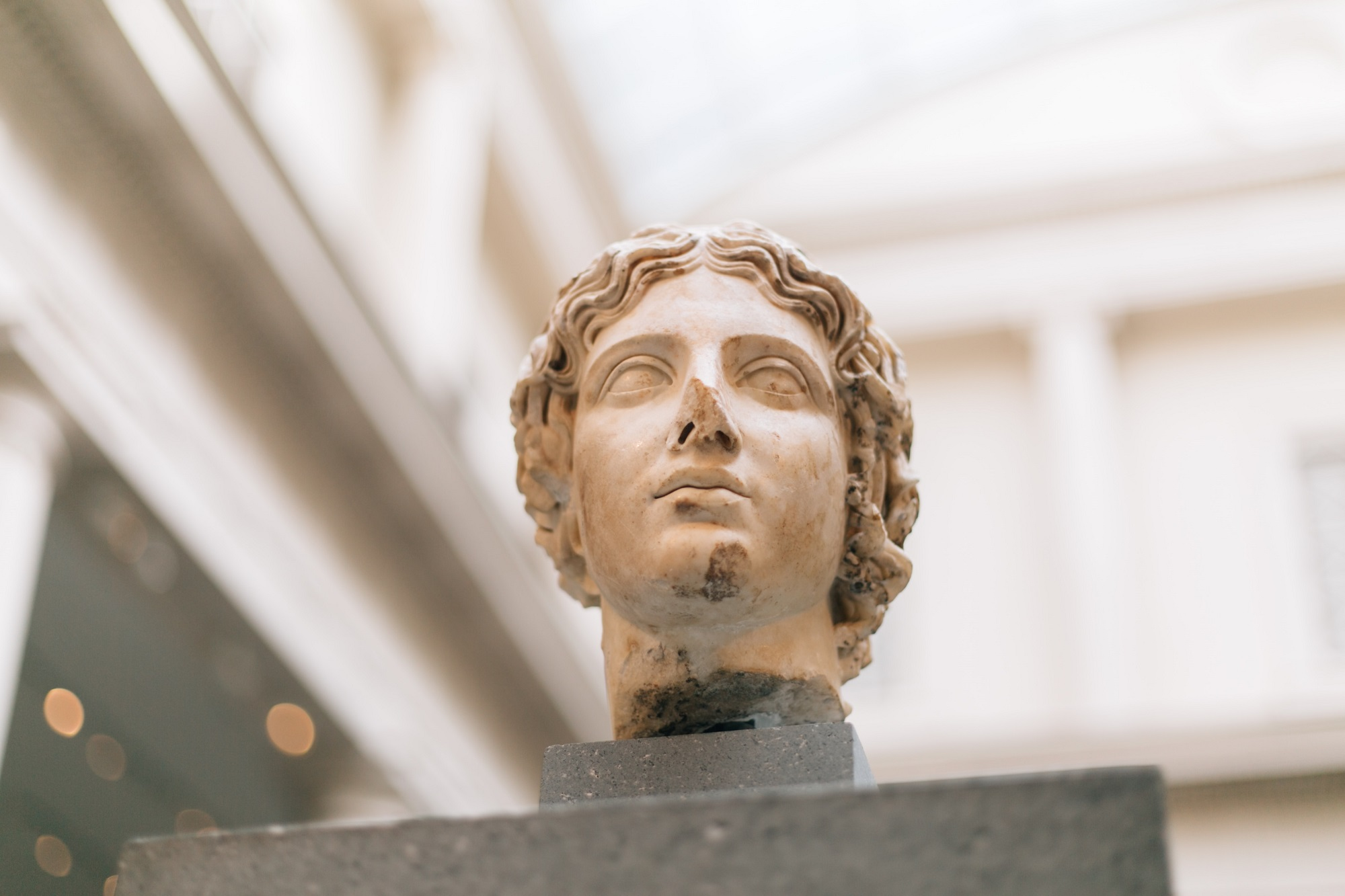 How was Cleopatra connected with the Roman Empire?
