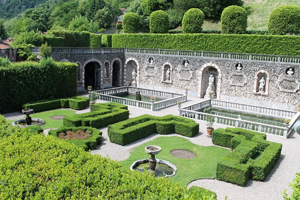 What Distinguishes An Italian Style Garden