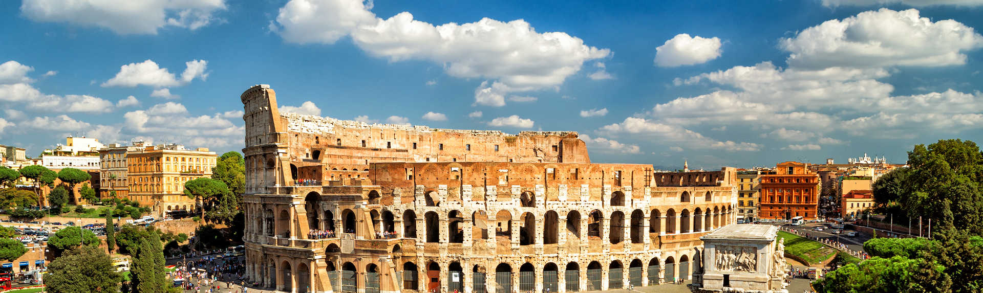 How much does it cost to go to the Colosseum?